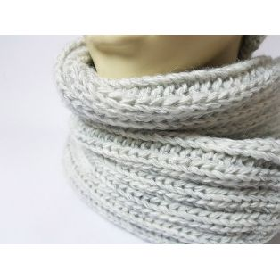 Комплект шапка и шарф зимний (светло-серый)