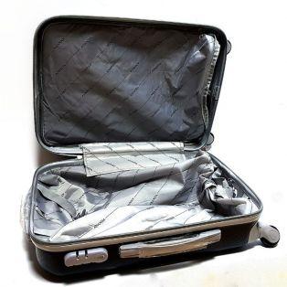 """Пластиковый чемодан Ananda """"черный"""", средний"""