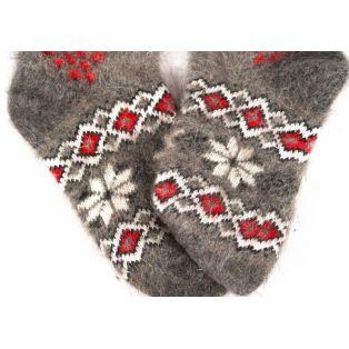Классические новогодние шерстяные носки с парочкой снегирей