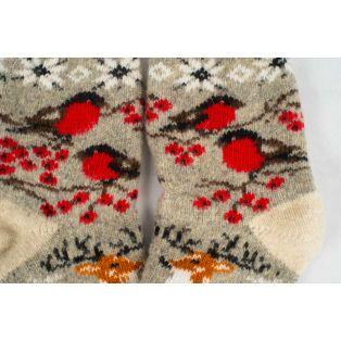 Отменные новогодние носки с рисунком оленя и снегирями