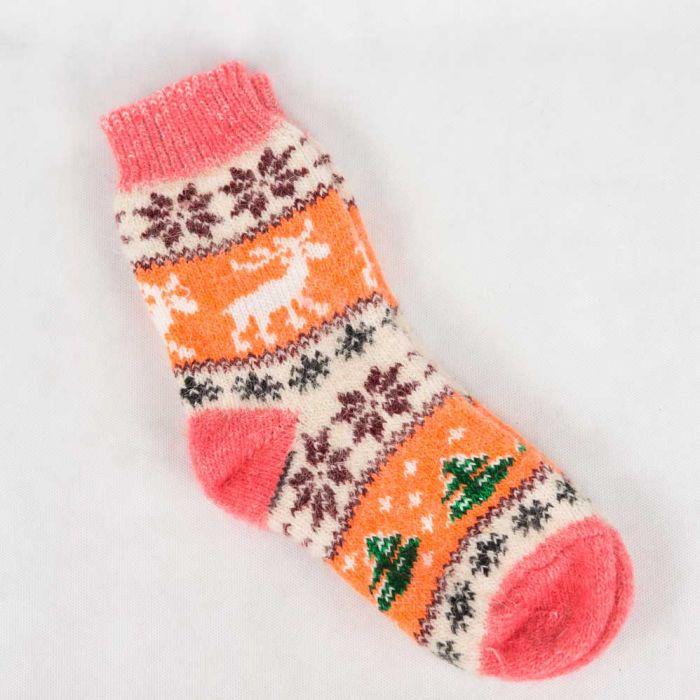Стильные новогодние шерстяные носки в кораллово-оранжевых тонах