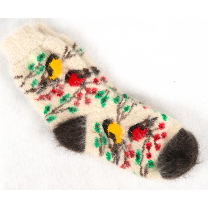 Яркие зимние носки с разноцветными вязаными птичками