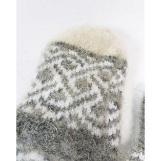 Варежки женские с орнаментом из козьего пуха