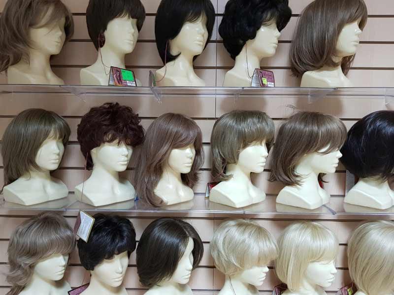 Парик. Парики натуральные купить в магазине париков lanord.ru можно недорого. Wigs. Wig in wig shop